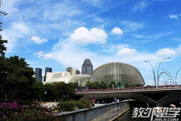 如何考新加坡私立大学