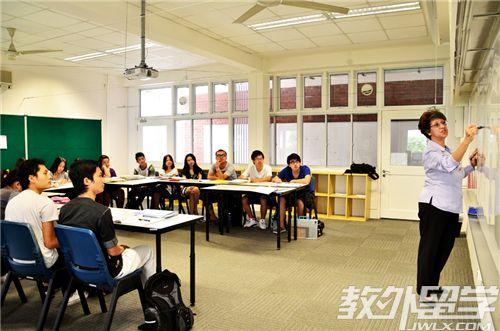 去新加坡读心理学课程什么学校好