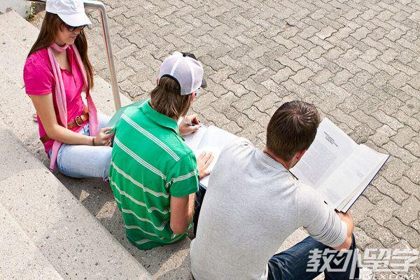 高考后如何办理新加坡留学