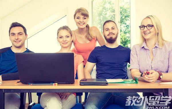 在新加坡可以读大专吗