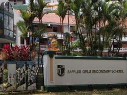 查看更多新加坡莱佛士女子中学图片
